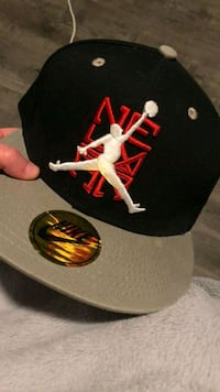 black and red Chicago Bulls fitted cap Winnipeg, R2H 1E9