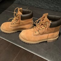 Timberland boots wheat color - classic style,  youth size 3 Laval, H7W 0C8
