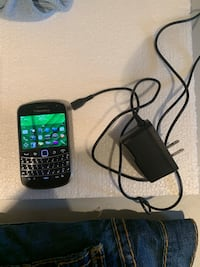 Black samsung android smartphone with charger Toronto, M3M 2S1