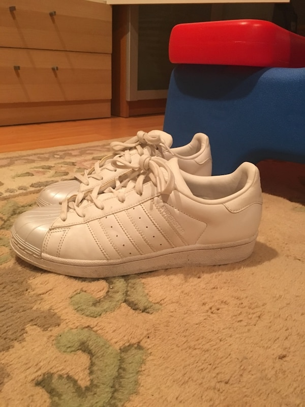 72bfa330c94 Used all white superstars for sale in Burnaby - letgo