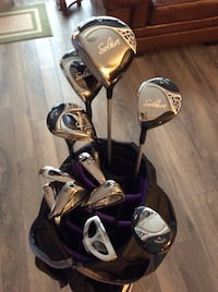 Set of women's golf clubs