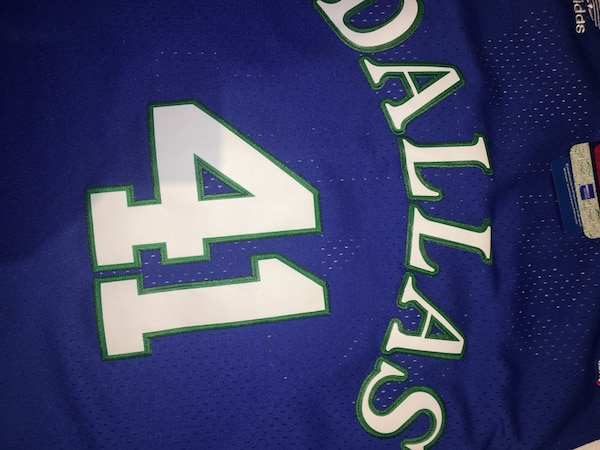 e63e7f5f5 Men s Dallas Mavericks Dirk Nowitzki Mitchell   Ness Blue 1998-99 Hardwood  Classics Swingman Jersey. 1 8