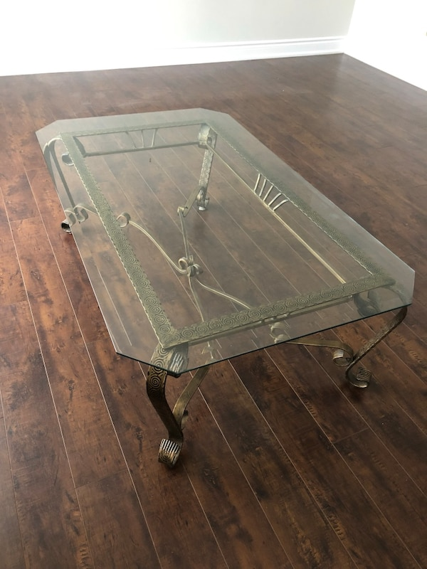 Rectangular clear glass top coffee table