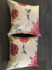 Pair of throw pillows