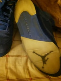 black and blue Air Jordan basketball shoes Parkville, 21234