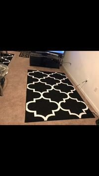 "5 by 7"" rug/carpet in an excellent condition  Odenton, 21113"