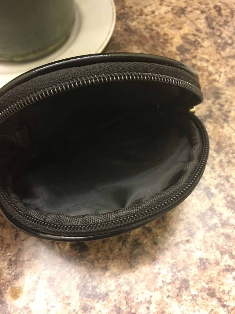 black patent leather California pouch - New Augusta