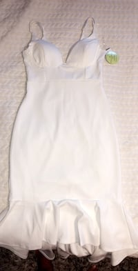 Beautiful Ivory Dress Size L with Under linen Providence, 02910