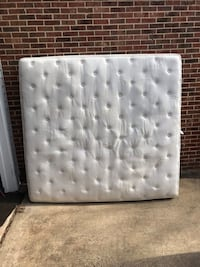 "13"" thick king size memory foam mattress from Bed-in-a-box Herndon, 20171"