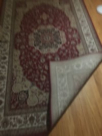 New rug 5 by 8 feets