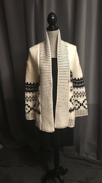 Ladies xs Gap knit cardigan  Edmonton, T6K 3K2