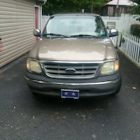 2002 F150 crew cab with sunroof RWD Harpers Ferry, 25425