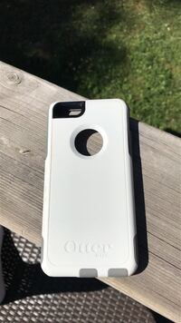 Perfect condition iPhone 6s/6 OtterBox case Grimsby