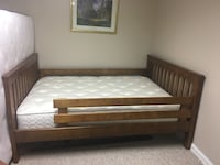 Double bed wood frame  Potomac, 20854