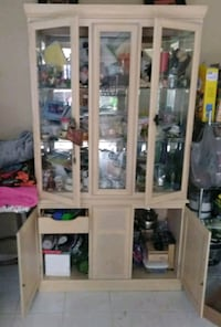 China cabinet  Holly Hill