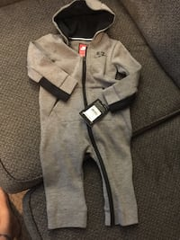 Nike outfit Surrey, V3S 8Z4