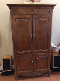 French Country Henredon entertainment armoire REDUCED Woodbridge, 22192