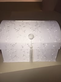 Silk white wedding card box.  big size Vancouver, V5Y 1Z9