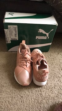 sneakers pumas never worn  Palm Bay, 32908
