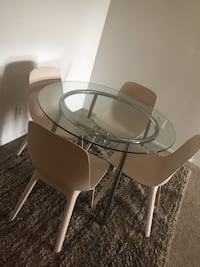 Dining Room Table + 4 Chairs Rockville