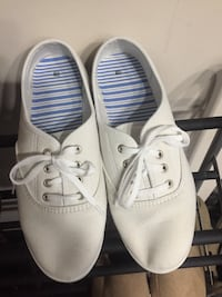 White Shoes Size 9 Morehead City, 28557