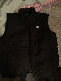 black The North Face zip-up vest 71 km