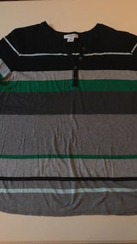SIZE: 3X. Short sleeve blue, grey, green top. Winchester, 22602