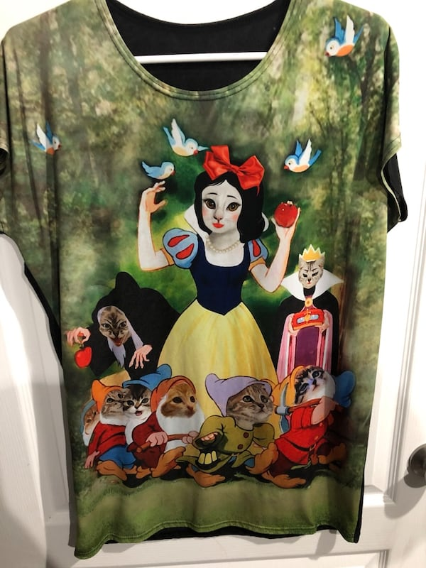 SnowWhite & the 7 Dwarfs cat shirt 0