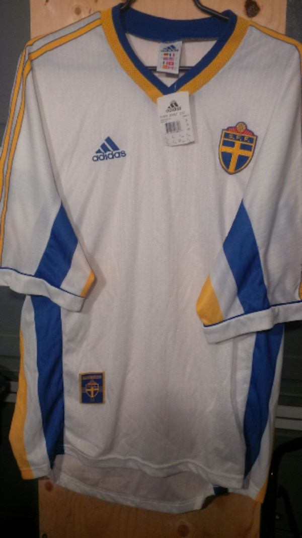 sports shoes 2816a 2cd76 Sweden National Team Jersey – Brand New Adidas Retro Jersey