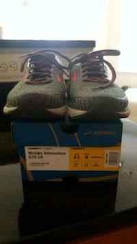 Brooks woman brand new 41 km
