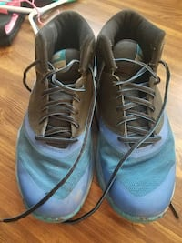 32e99445fc Used Nike men's shoe for sale in Green Valley - letgo
