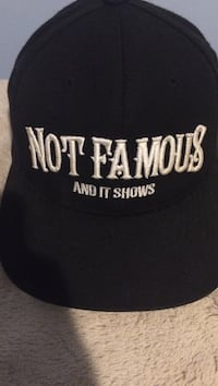 black Not Famous and it shows snapback cap null, V0R