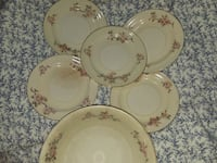 Antique homer laughlin serving bowl and 5 saucers  Panama City, 32404