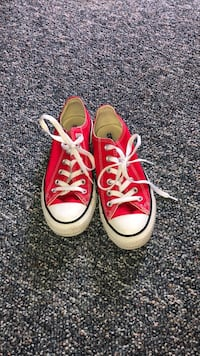 pair of red-and-white Converse sneakers Greenville, 45331