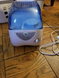 white and blue Vicks humidifier 47 km
