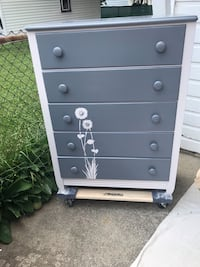 Five drawer dresser Dearborn