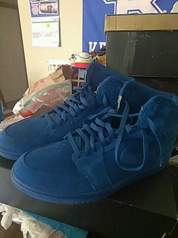 sports shoes 31a29 92bdb Air Jordan 1 blue suede basketball shoes
