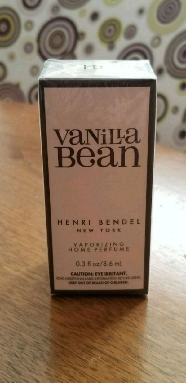 Henri Bendel home fragrance oil