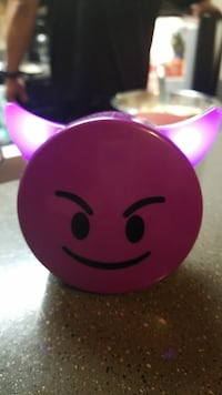 Emoji blue tooth light up speaker