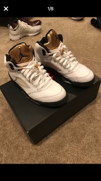 pair of white Air Jordan 5's with box Clarksburg, 20871