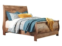 Rustic King size headboard brand new in box Surrey, V3S 7M4