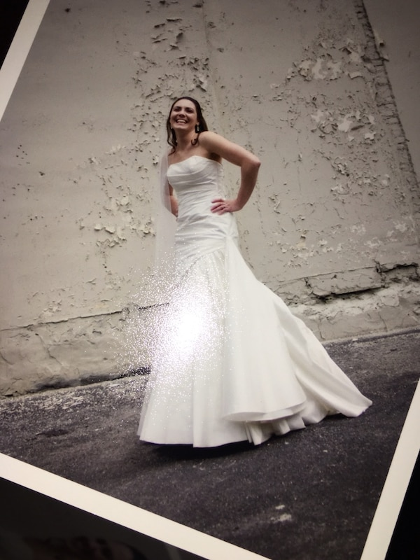 Used women\'s white strapless wedding dress for sale in Elkton - letgo