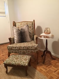 Set of 2 Matching Wingback Chairs Oakville, L6J 5P2