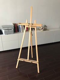 Light Wood Color Easel for Painting Toronto, M5B 2H9