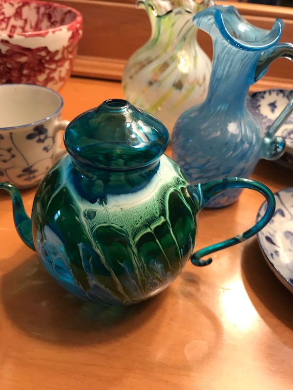 Antique Asian Pottery and blown glass 40d345f6-b7bf-4ff8-872a-ef4069bfd6e5