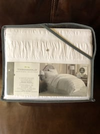 King duvet set... new. Brampton Brampton, L6S 3V1