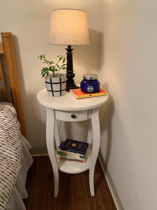 Nightstand - must sell today! 23ad027d-9cf5-457d-851b-82168b86e24d