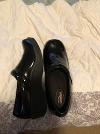 pair of black leather dress shoes Medford, 97504