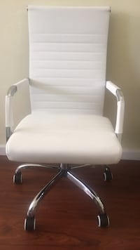 white leather padded rolling armchair 奇诺岗, 91709