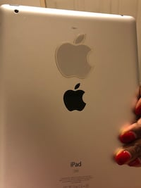 White iPad with pink carrying case in brand new condition New York, 10465